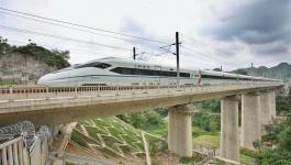 الصين تفتتح خط سكة حديد جديد فائق السرعة في مقاطعة قويتشو