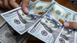 الدولار: يهوي أمام العملات لمستوى قياسي