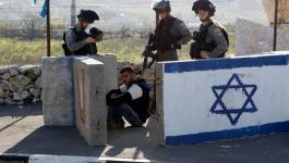 الاحتلال يعتقل فلسطينيًا بزعم محاولة إدخال قنبلة إلى محكمة عسكرية