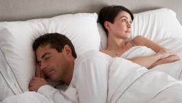 كيفية التعامل مع الزوج البارد عاطفياً