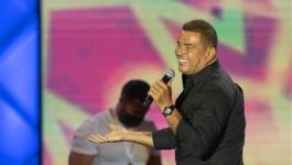 عمرو أديب عن حفل عمرو دياب في جدة :