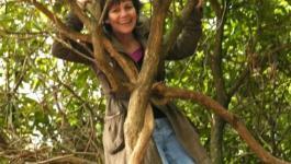 عجوز بريطانية عاشت طفولتها على طريقة طرزان فى غابات كولومبيا