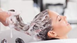 الطريقة الصحيحة لغسل شعرك لنعومة وصحة أكثر