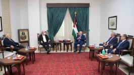 الرئيس عباس يستقبل رئيس جامعة بيرزيت الجديد