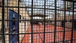 الاحتلال يجدّد الاعتقال الإداري للقيادي