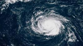 3 ولايات أمريكية تعلن حالة الطوارئ بسبب إعصار فلورنس.jpg