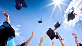 التعليم تُعلن عن توفر منح دراسية في مجال الماجستير والدكتوراة