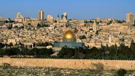 مركز حقوقي يُحذر من تصعيد الاحتلال لخطوات تهويد الأرض الفلسطينية المحتلة
