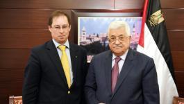 الرئيس عباس يستقبل السفير الروسي