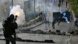 إصابات بالاختناق خلال مواجهات مع الاحتلال بالقدس.jpg
