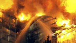 نشوب حريق هائل في جزيرة إيفيا اليونانية وعمليات إخلاء