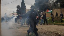 إصابة العشرات جراء قمع الاحتلال لمسيرات سلمية في رام الله