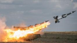 الدفاعات السورية تتصدى لصواريخ أطلقتها طائرات إسرائيلية على ريف حماة