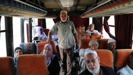 أهالي أسرى من القطاع يتوجهون لزيارة أبنائهم في سجون الاحتلال.jpg