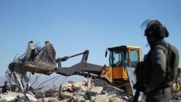 جرافات الاحتلال تهدم مبنى سكنياً بـ الأغوار