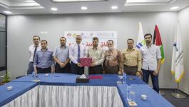 بالصور: الكلية الجامعية توقع اتفاقية تعاون مع جمعية الرحمة للإغاثة والتنمية