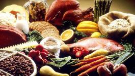 1280px-Good_Food_Display_-_NCI_Visuals_Online_778002_highres.jpg