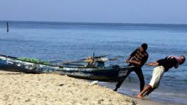 مركز حقوقي يناشد العالم بالتدخل لحماية صياديي غزة.jpg