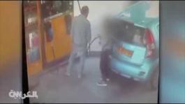 بالفيديو   سيدة تشعل محطة للوقود لعدم حصولها على سيجارة    وأخرى تصارع ديكاً رومياً