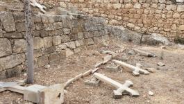 القنصلية العامة بالفدس تستنكر تدنيس مقبرة دير الساليزيان.jpg