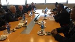 عباس يجتمع مع رئيس وزراء أثيوبيا بالعاصمة أديس أبابا.jpg