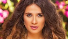هكذا كانت ردّة فعل ياسمين عبد العزيز على صور زوجها مع ريهام حجاج!
