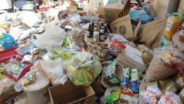 حماية المستهلك تتلف إتلاف 4 أطنان مواد تموينية تالفة في نابلس