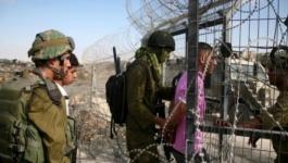 الاحتلال يعتقل 3 شبان اجتازوا السياج الفاصل شرق خان يونس