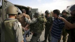 قوات الاحتلال تعتقل 4 مواطنين من الخليل.jpg