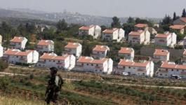 سلطات الاحتلال تصادق على مخطط لشق شارع استيطاني غرب رام الله