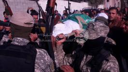 بالفيديو والصور: جماهير غفيرة تُشيّع جثمان الشهيد محمد عمرو شرق غزة