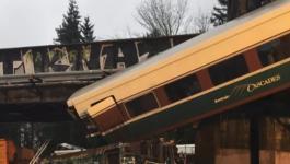 قتلى بسقوط قطار من فوق جسر بولاية واشنطن