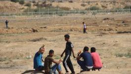 طائرات الاستطلاع تستهدف مجموعة شبان شرق البريج