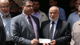نواب التشريعي بغزة بتبرعون براتب شهر كامل لمرضى الكلى والسرطان