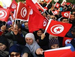 ماذا يحدث في تونس هذه الأيام ؟