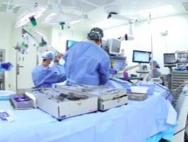 بالفيديو:  عملية جراحية في مصر