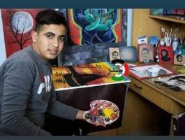 شاهد: فتى فلسطيني يُحوّل موهبة