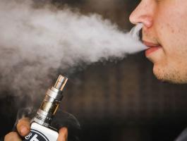 احذّر.. مرض خطير تُسببه السجائر الإلكترونية!!