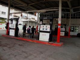 شاهد: ثبات أسعار بيع الوقود في غزة رغم انخفاضه في الضفة والداخل