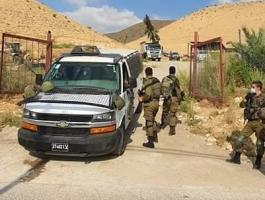 الاحتلال يصوّر منزلًا وبركسات لتربية الخيول والمواشي في بيت لحم