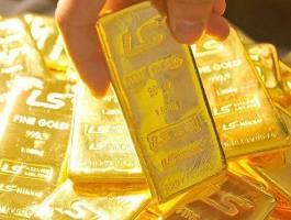 الذهب: يرتفع مدعوما بضعف الدولار