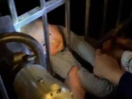 شاهدوا: طفل يسقط من الطابق الـ13 وينجو.. فيديو لمعجزة تحبس الأنفاس