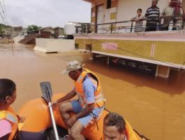 ارتفاع حصيلة الأمطار الموسمية في الهند إلى 115 قتيلا.jpg