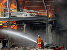 الدفاع المدني يتمكن من السيطرة على حريق مخزن في جنين
