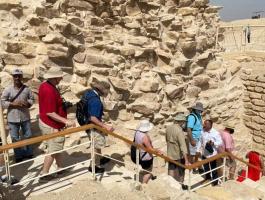 شاهدوا: افتتاح مقبرة الملك