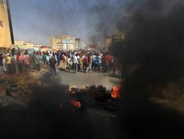 3 قتلى وأكثر من 80 مصابًا في انقلاب السودان.jpg