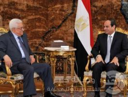 الرئيس الفلسطيني محمود عباس ونظيره المصري عبد الفتاح السيسي