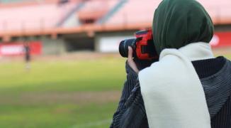 شاهد: أصغر صحفية رياضية في غزّة تمارس هوايتها وتطمح بالوصول إلى العالمية