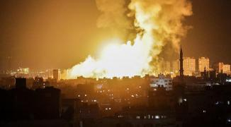 طائرات الاحتلال تستهدف موقعاً للمقاومة بخانيونس واندلاع النيران في المكان