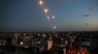تحليل: ما هي خيارات نتنياهو للرد على صواريخ تل أبيب؟